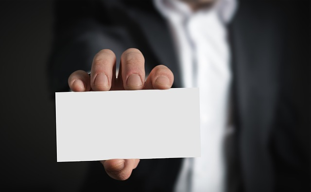 3 Top Benefits of Carrying a Printed Business Card in 2019